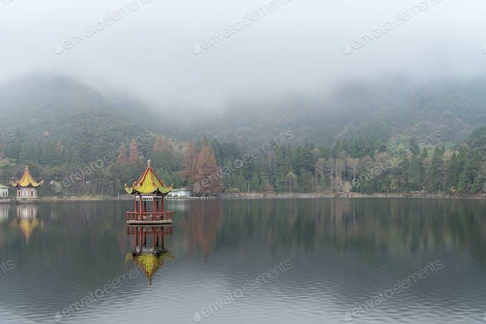 Lushan Berglandschaft Lulin See im Nebel, Provinz Jiangxi, China