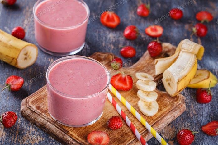 Bananen-Erdbeer-Smoothie.