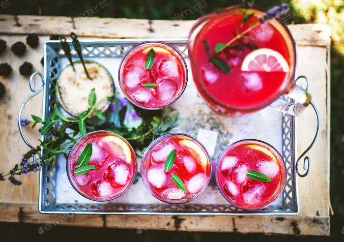 Watermelon smoothies with mint