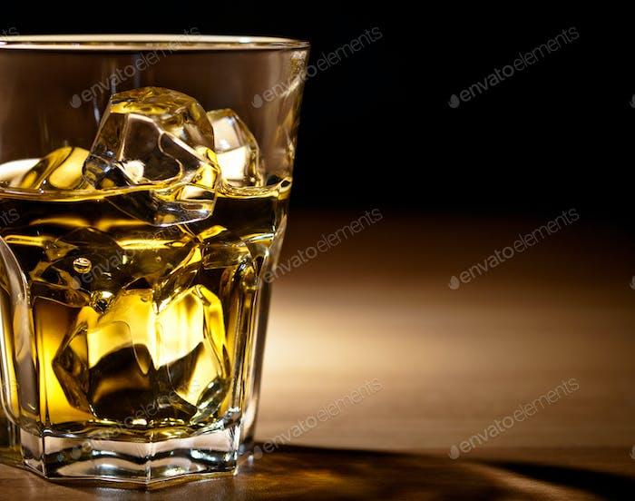 Whisky auf den Felsen