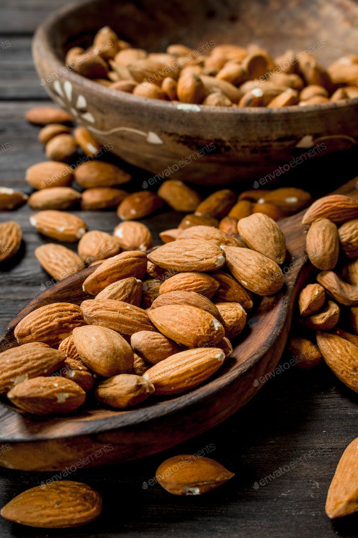 The almonds in the spoon .