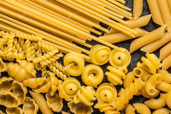 Various types of raw italian pasta