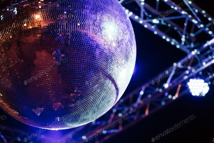 Discoball Partykonzept
