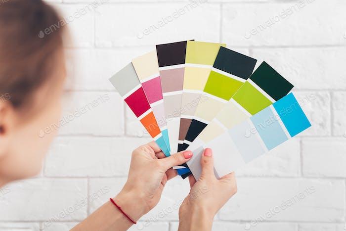 Cierre de hembra con palets de color eligiendo color
