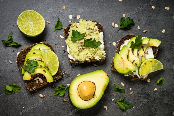 Avocado sandwich with seeds and cream cheese