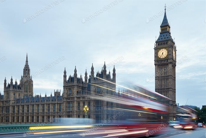 Big Ben and Palace of Westminster, red buses