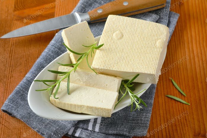Frischer fester Bohnenquark (Tofu)
