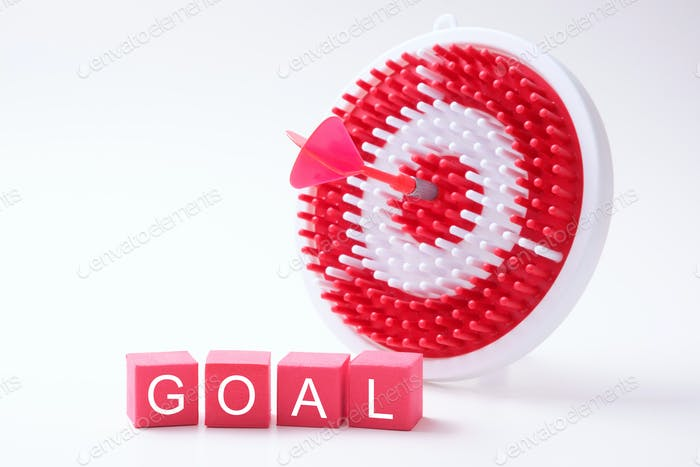 Goal wording with red dart and dartboard