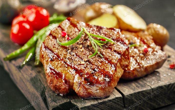 frisch gegrilltes Steak