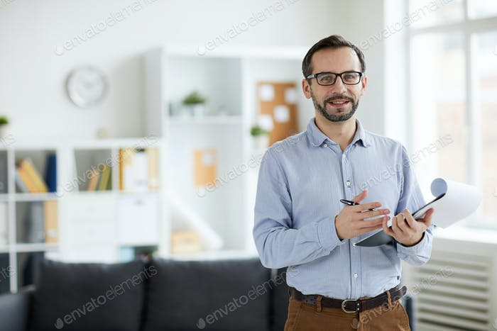 Psychologist in office