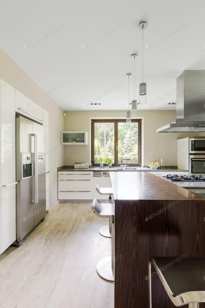 Modern kitchen with kitchen island