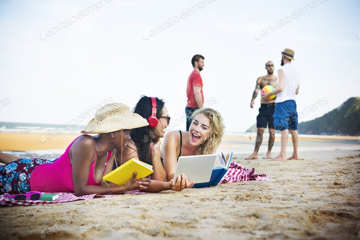 Summer Beach Friendship Holiday Vacation Concept
