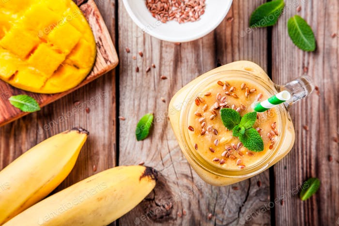 mango smoothie with flaxseed and mint