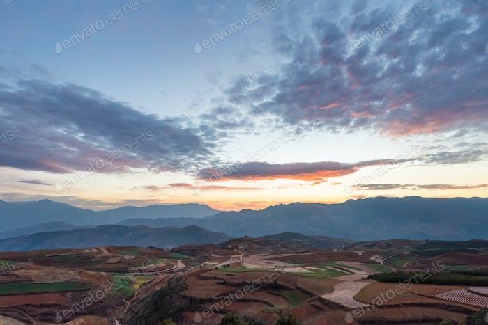 Yunnan rotes Land in Sonnenaufgang, Dongchuan Bezirk, Kunming, China