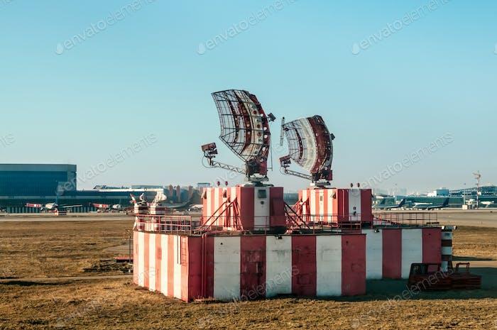 Radar in Flughafen- und Flugverkehrskontrolle
