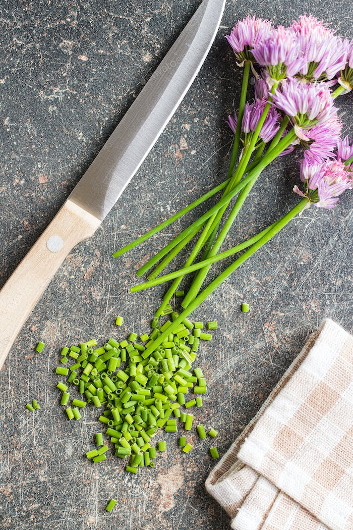Chopped chives with Flowers