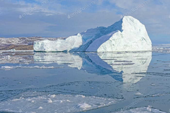 ight Reflections on Arctic Waters