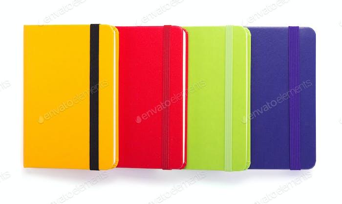 Notizblock oder Notizbuch auf weißem Hintergrund