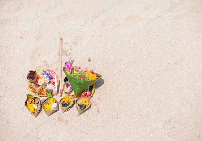 Balinesisches Angebot am Strand