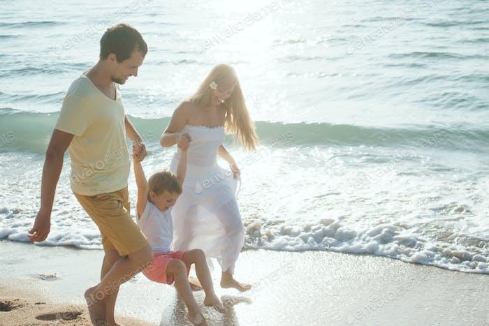 Glückliche Familie im freien
