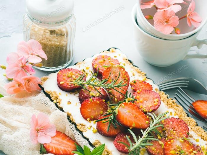 Hausgemachte Erdbeere nicht gebacken Käsekuchen