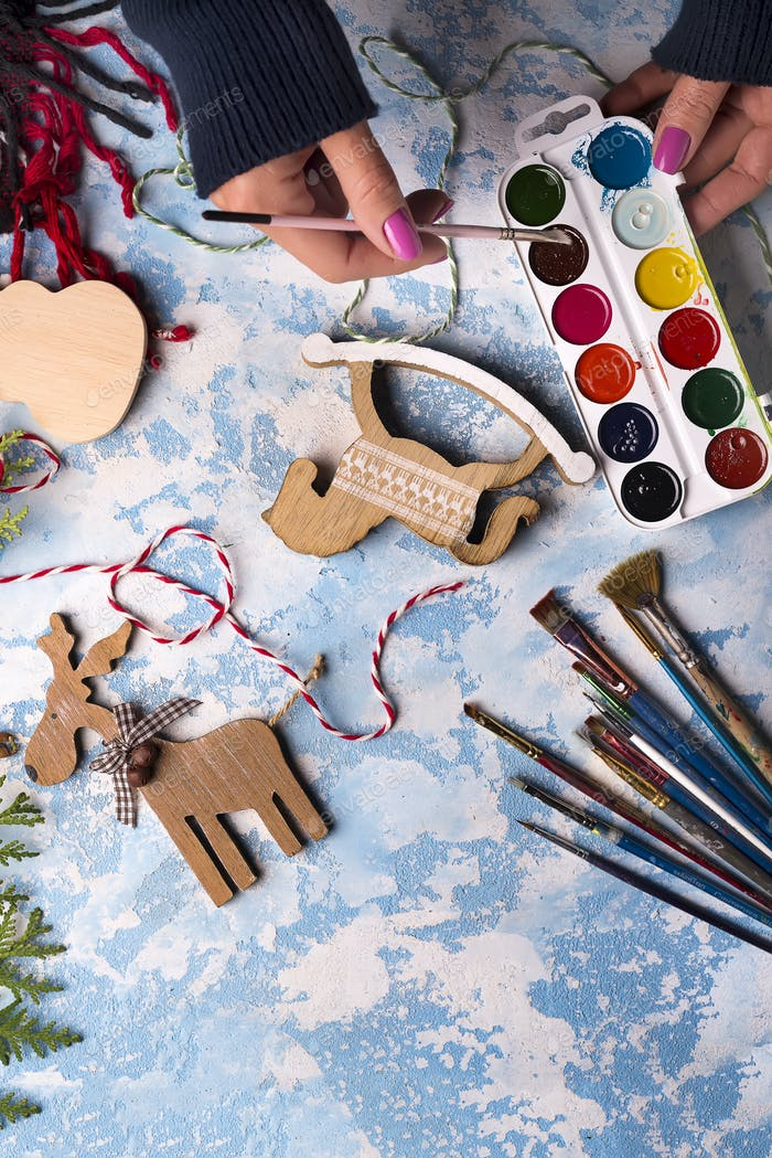 Making toys for Christmas decorations