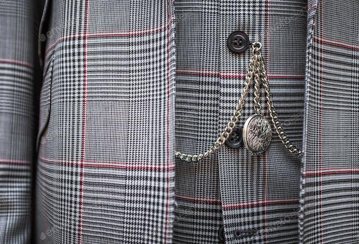 Taschenuhr und Anzug Detail