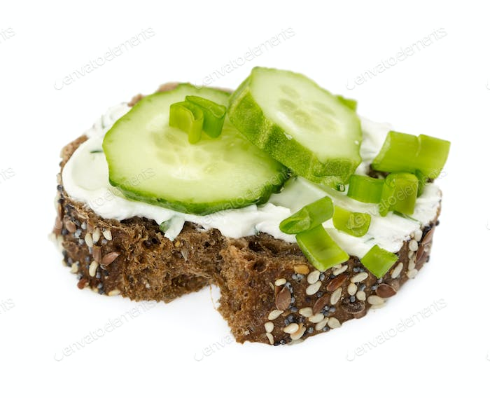 Small sandwich with cucumber and onion