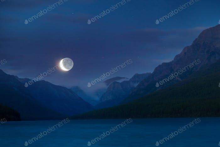 Lake in night time