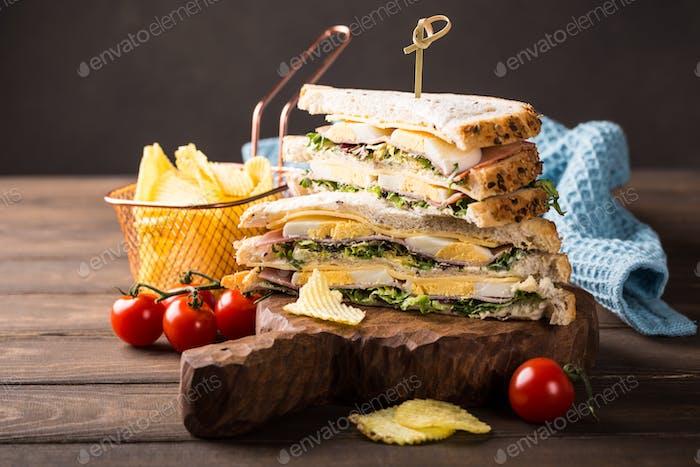 Sandwich de club fresco