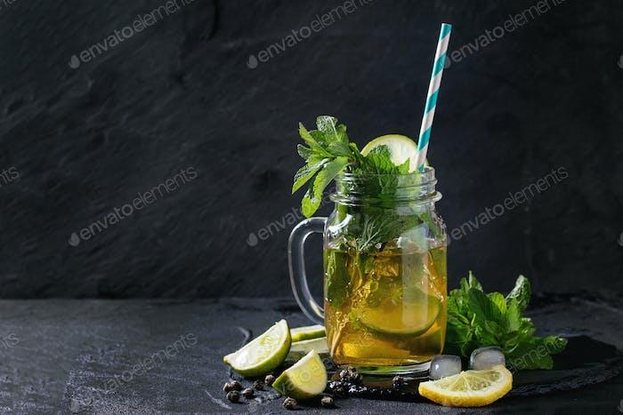 Eisgrüner Tee