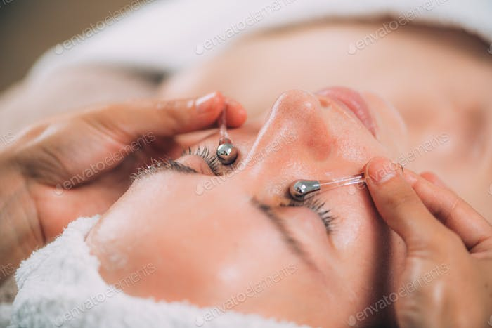 Face Massage with Lymphatic Drainage Sticks for Dark Circles Under the Eyes