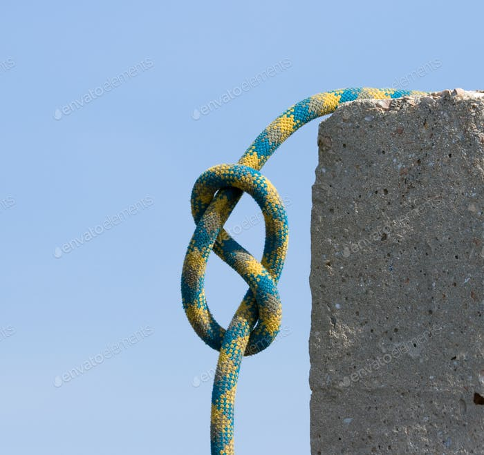 Knot figure-of-eight.