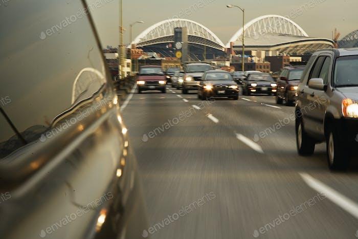 Vehículo en la carretera