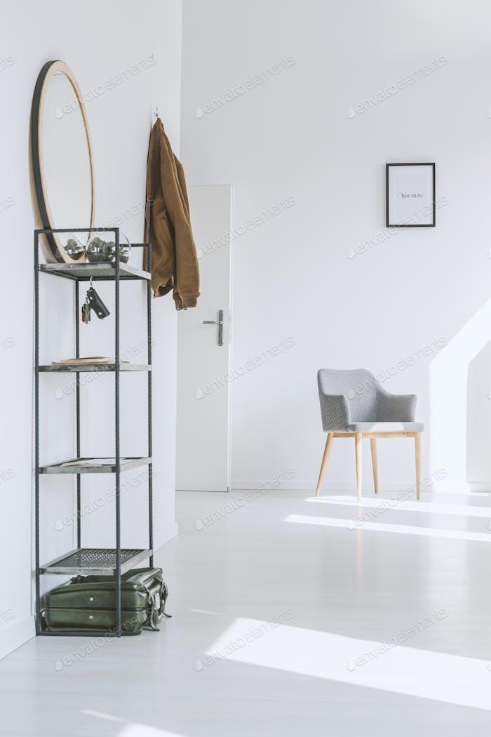 Helle Wohnung mit weißen Wänden