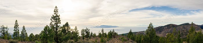 Inspirierende Berge Landschaft, Inseln und Ozean