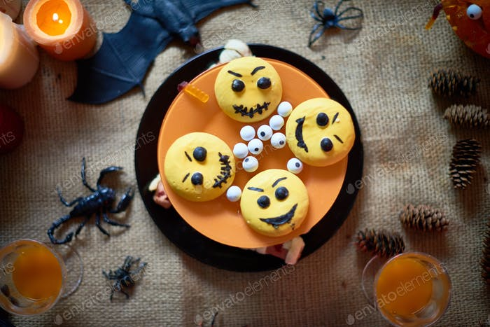 Halloween cake with emoticons