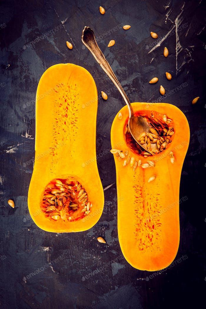 Butternut-Kürbis mit Samen