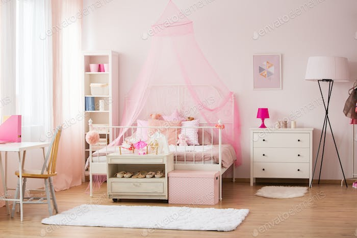 Room with pink decorations