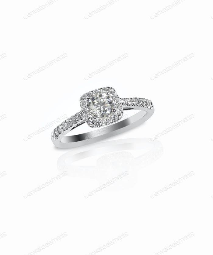 Beautiful diamond wedding engagment band ring solitaire
