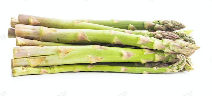 Frischer grüner Spargel. Gesundes Gemüse der Saison.