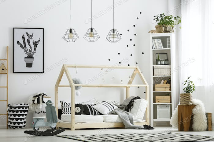 Bed in shape of house