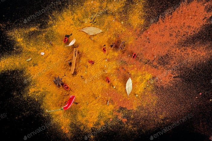Curry-Gewürzhintergrund