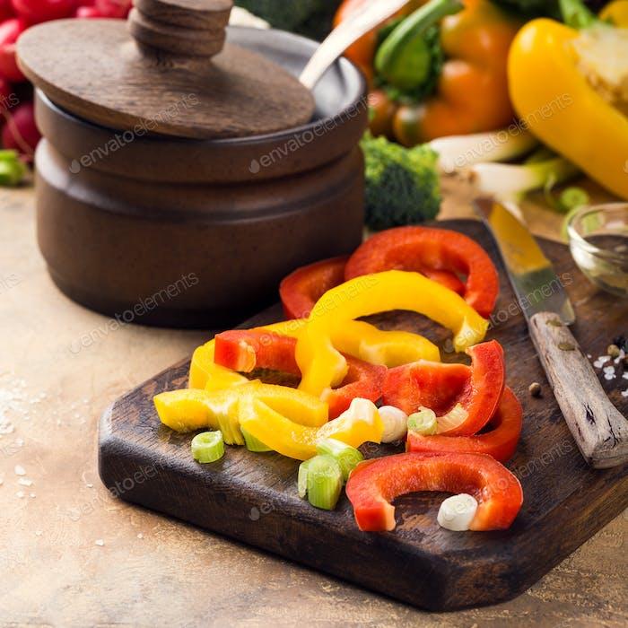 Frisches rohes Gemüse für Suppe