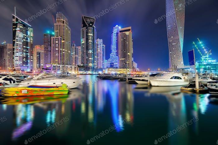 Night dubai marina skyline, Dubai, United Arab Emirates