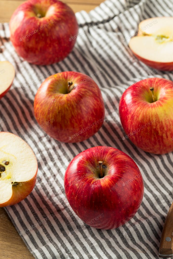 Raw Red Organic Kiku Apples