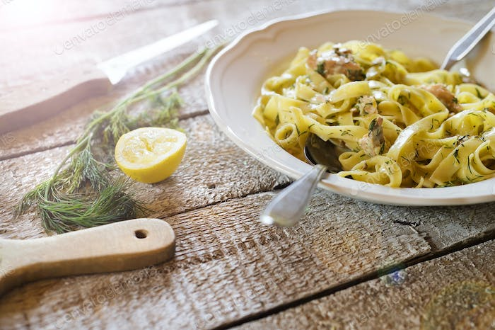 Plate with tagliatelle