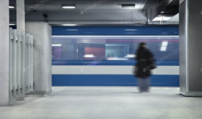 Waiting the metro