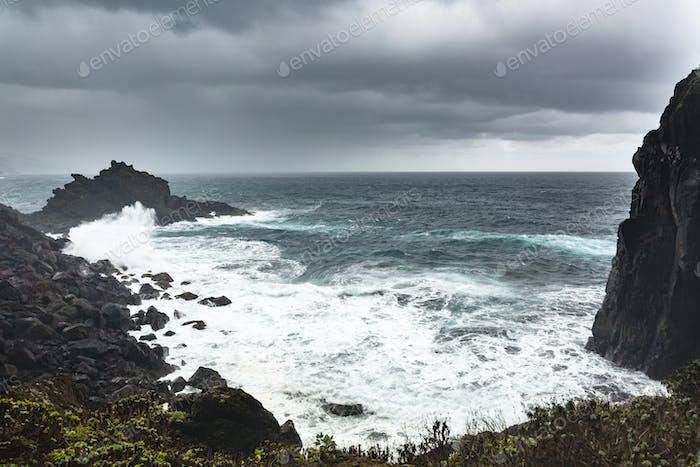 La Palma Playa De Nogales durante la tormenta, España