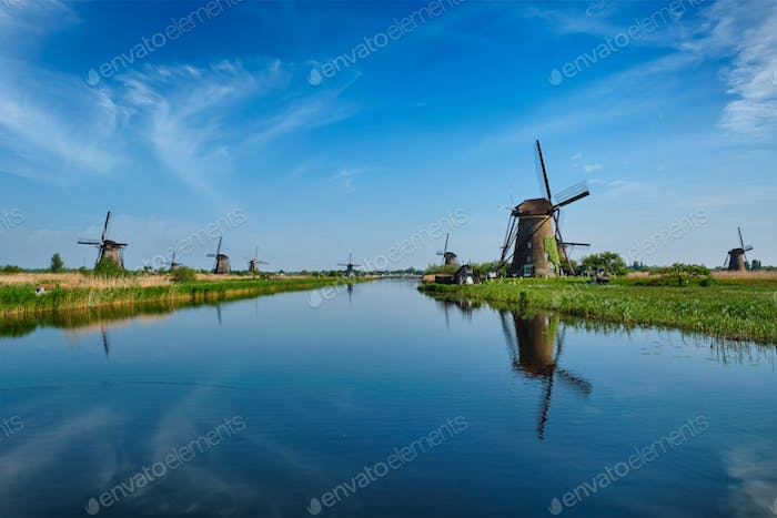 Windmühlen in Kinderdijk in Holland. Niederlande